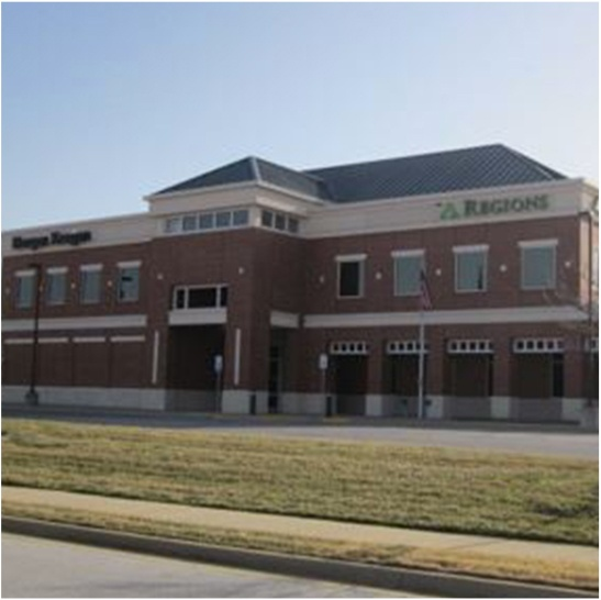 Photo of the front view of Regions Bank Building in Rogers, Arkansas